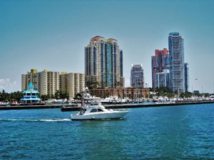Miami Boot mieten