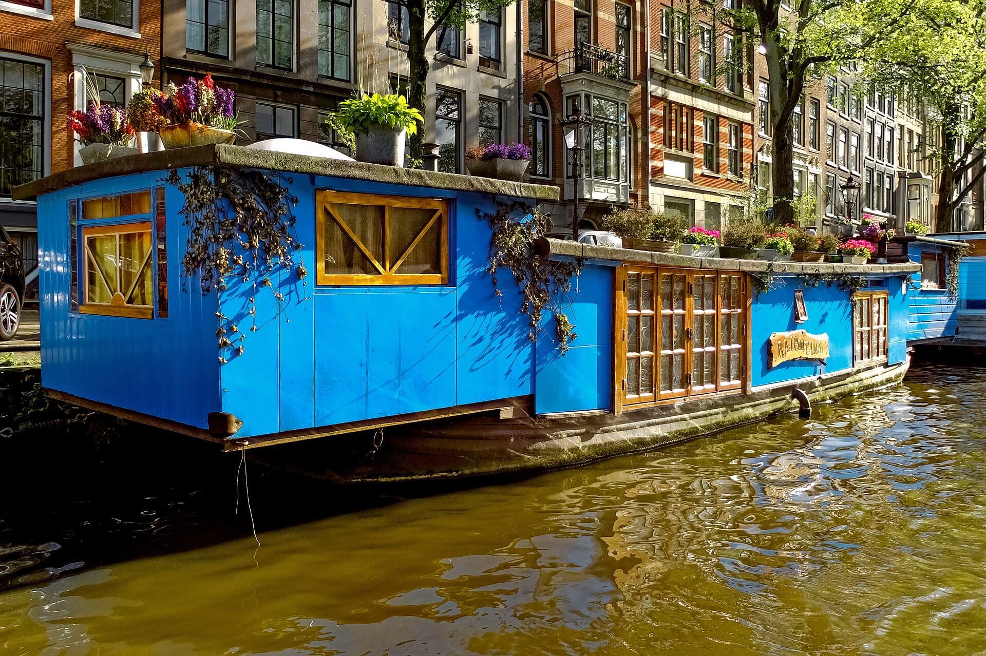 Blaues Hausboot Amsterdam