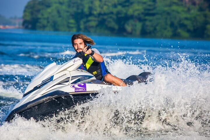 Jetski fahren Wassersport