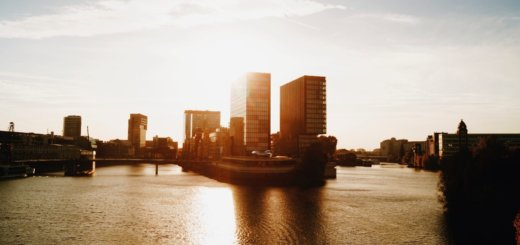 Der Rhein im Abendlicht