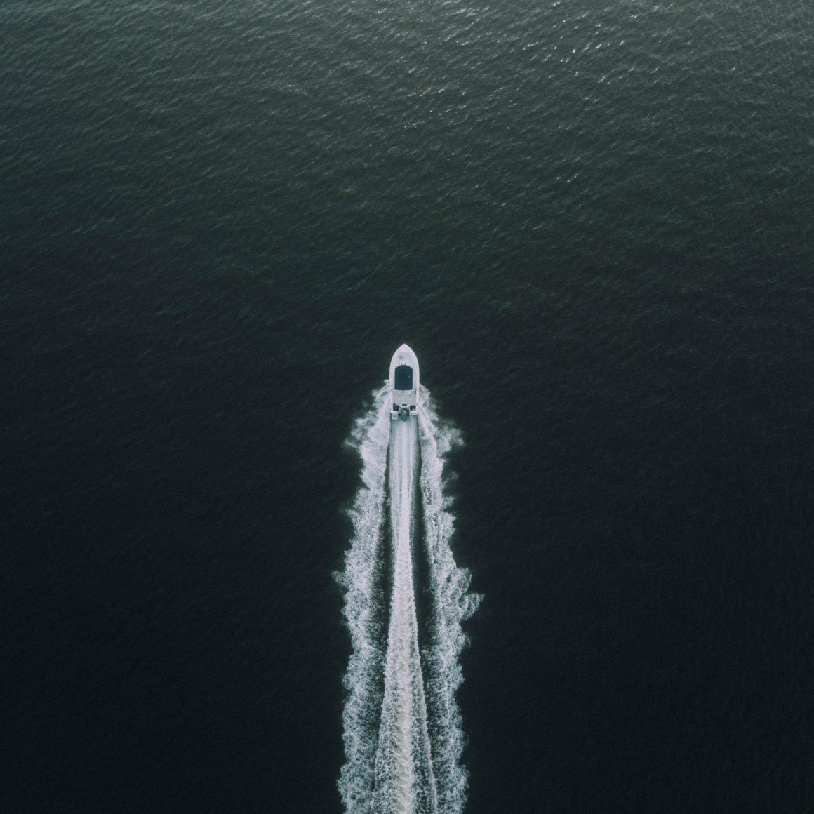 charter a yacht