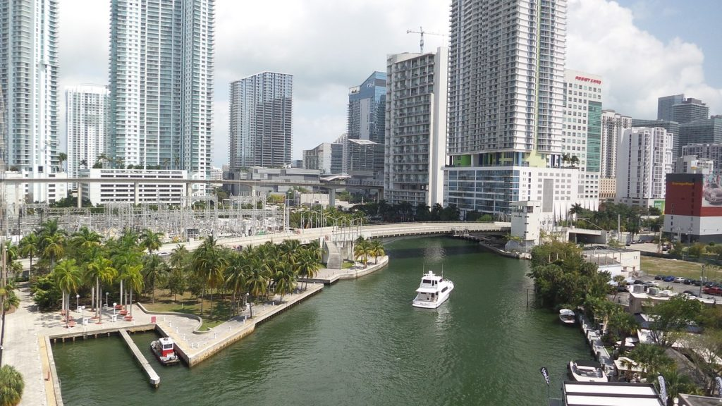 yacht rental in Miami