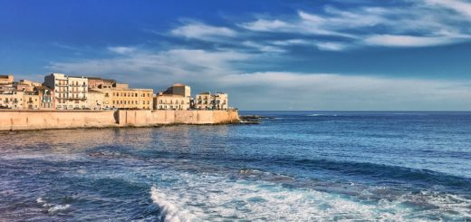 hire a boat in Sicily