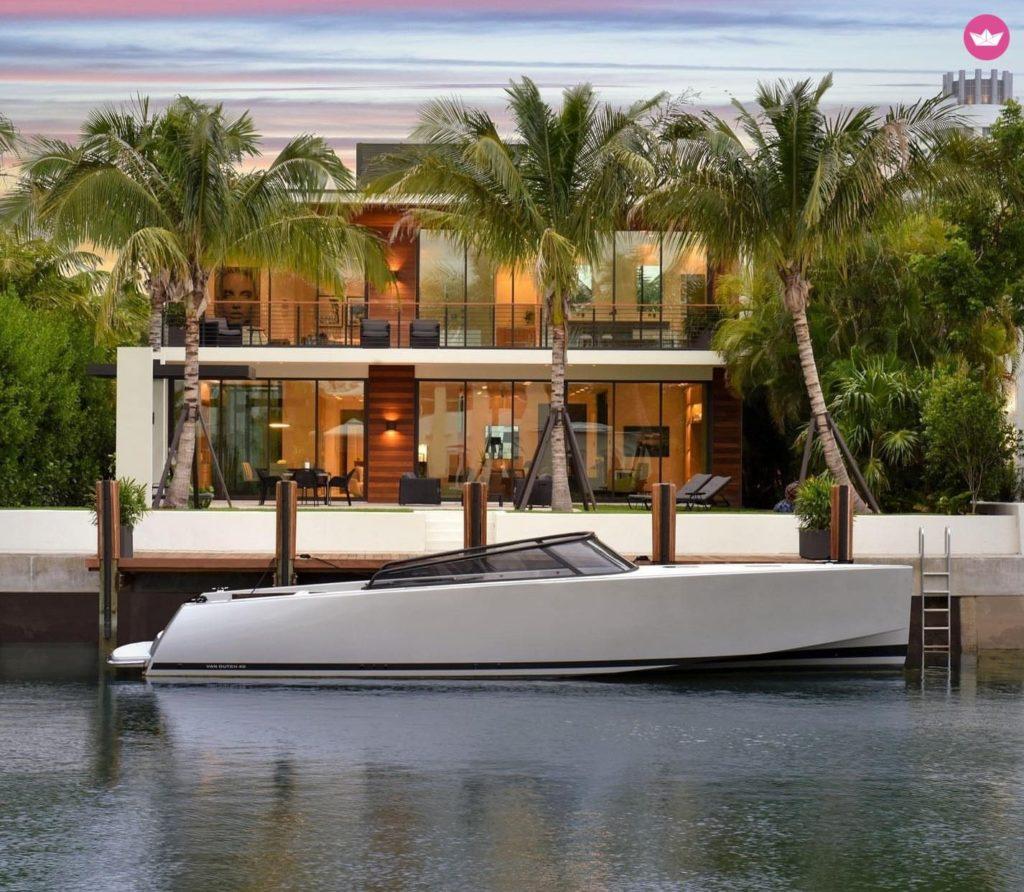 Rent a motorboat Split