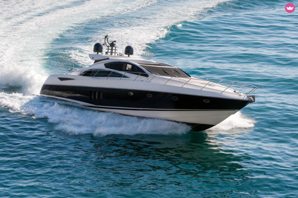 Rent a luxury yacht La Spezia