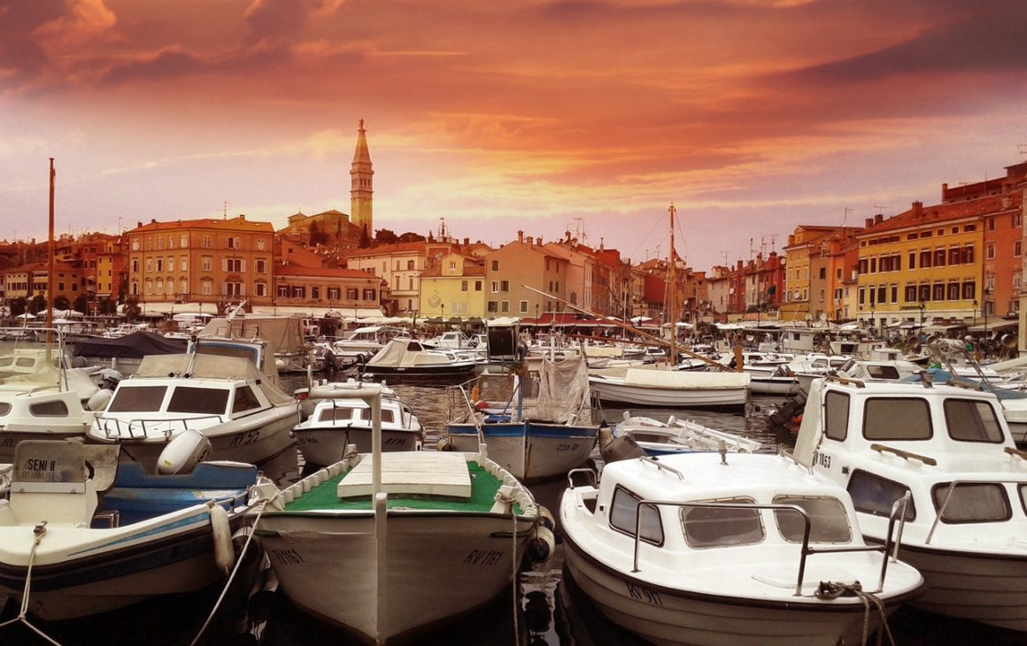 boat hire int he med