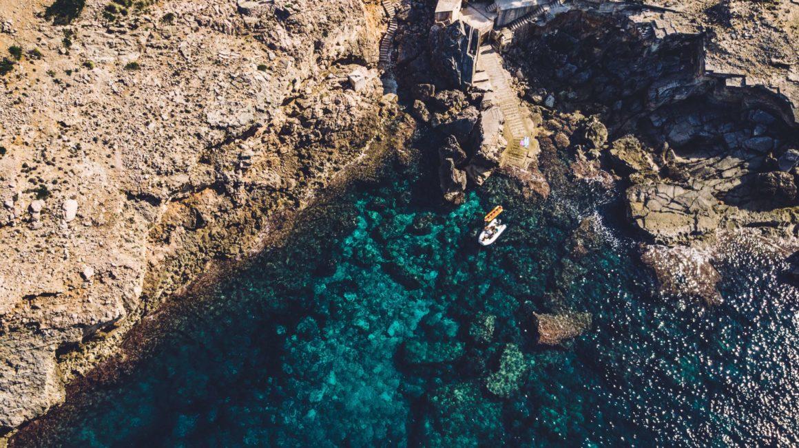 a beautiful cove for boat rental in Mallorca