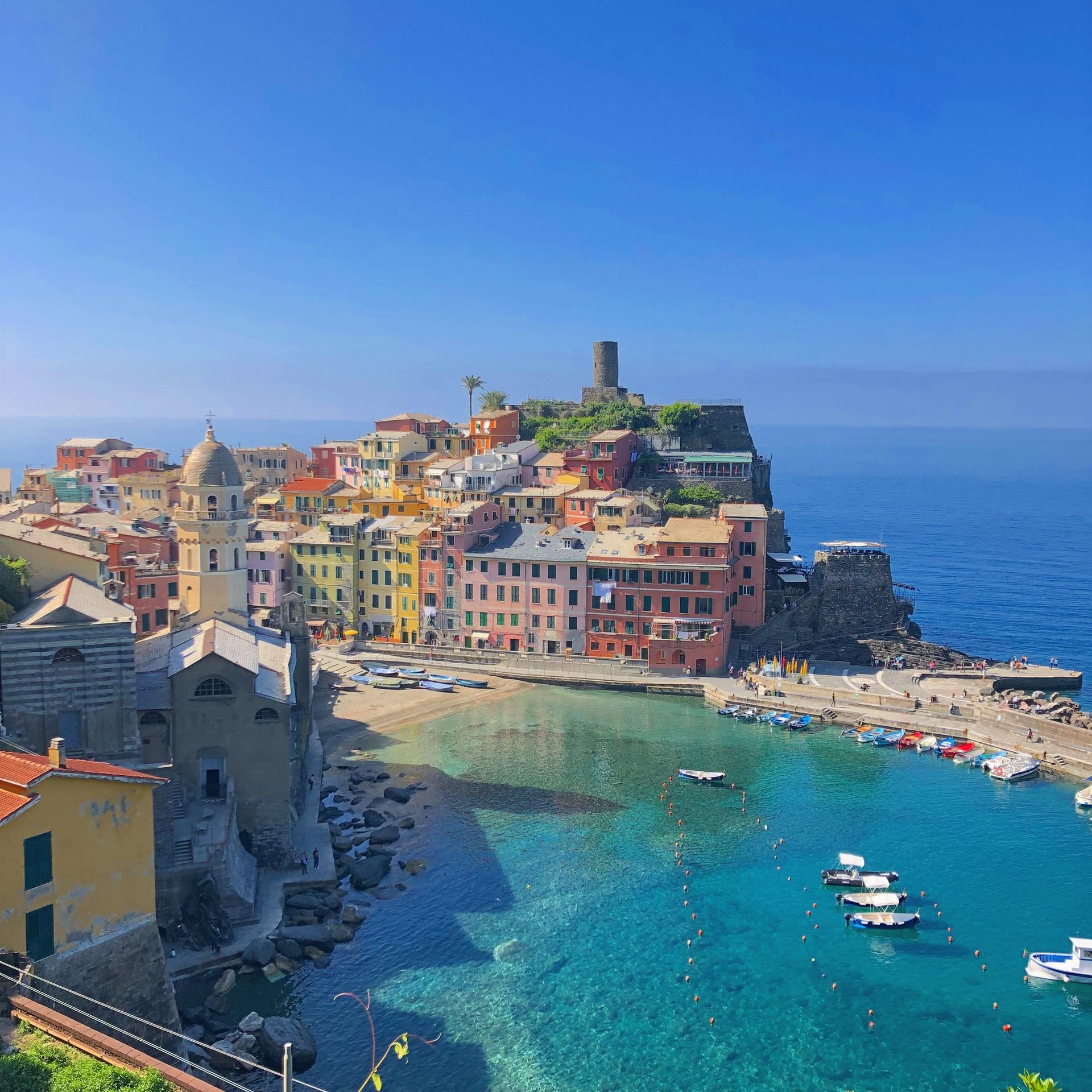 Vernazza italy, vernazza sailing, sailing in vernazza, boat rentals in vernazza