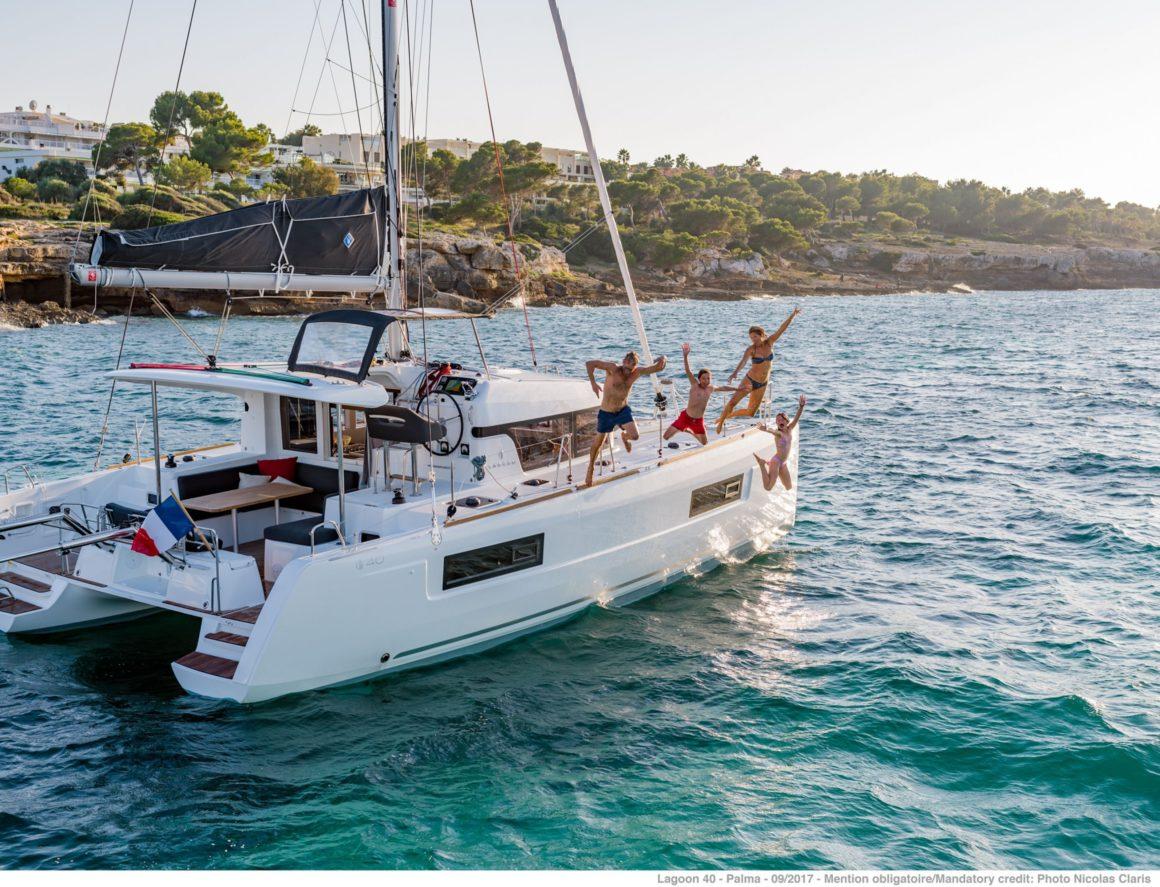 Ruta de navegación en un catamarán