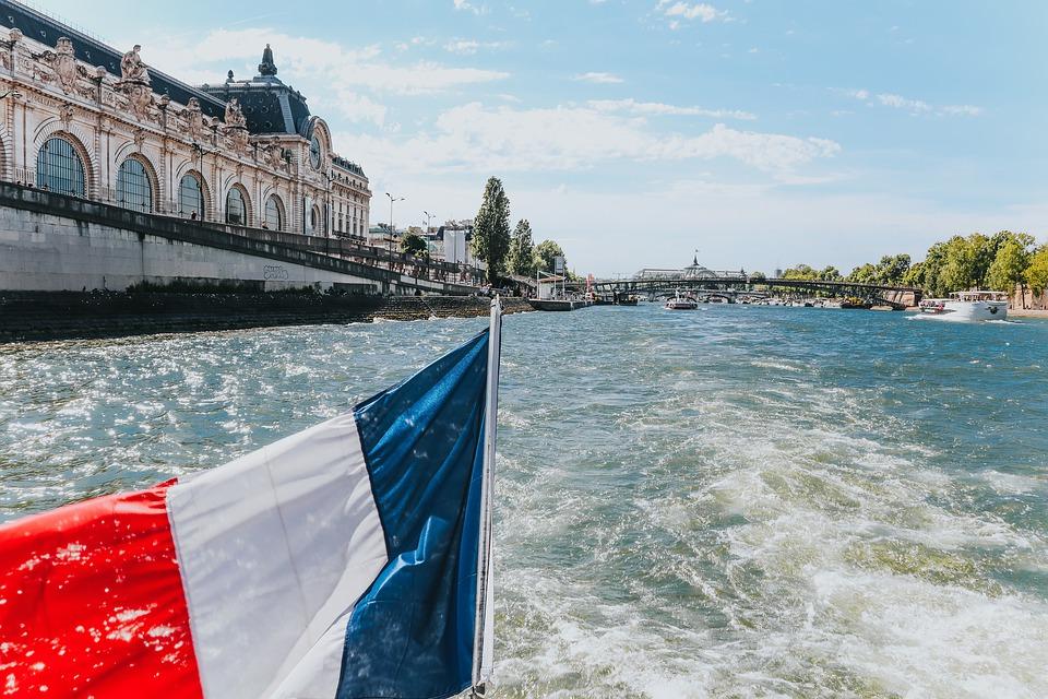 Navegando por las estupendas aguas del Sena