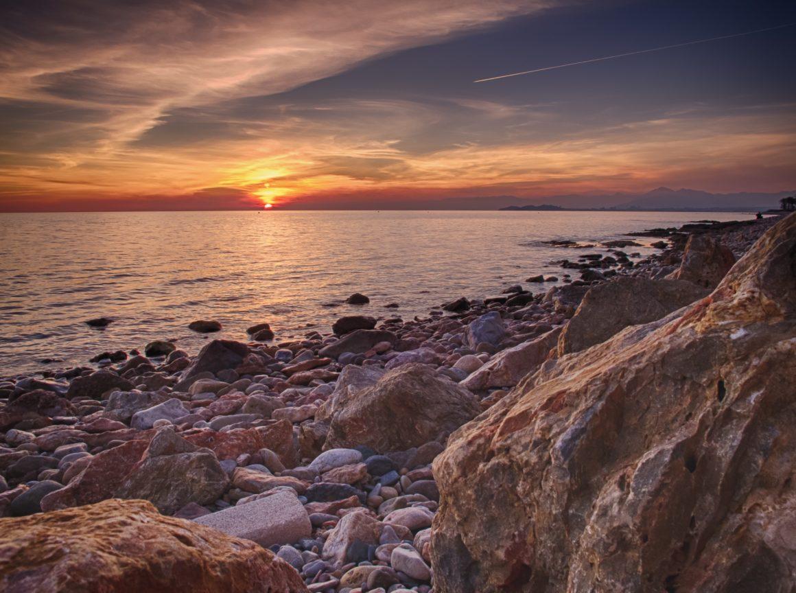 Atardecer a pie de playa en Murcia