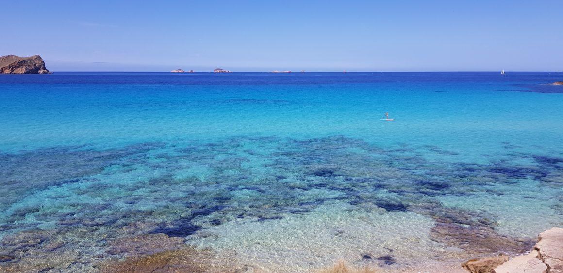 Aguas transparentes en Ibiza
