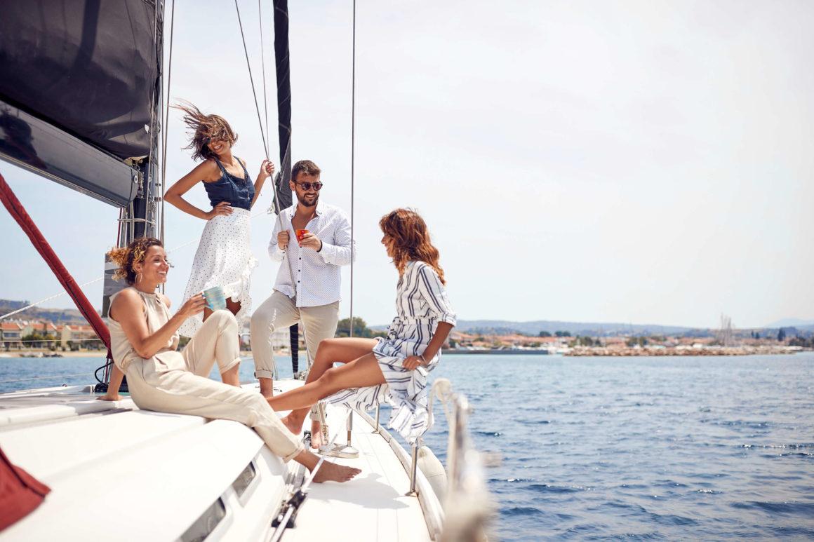 Navegar por Ibiza con amigos: experiencia original y única