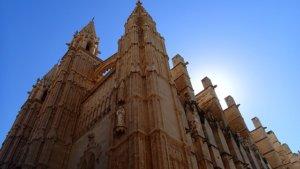 Noleggio barche palma -cathedral-424816_640 (1)