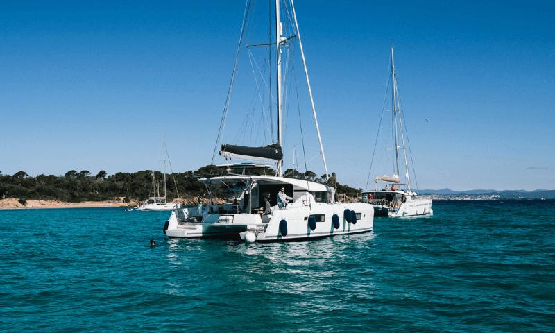 ormeggio catamarano