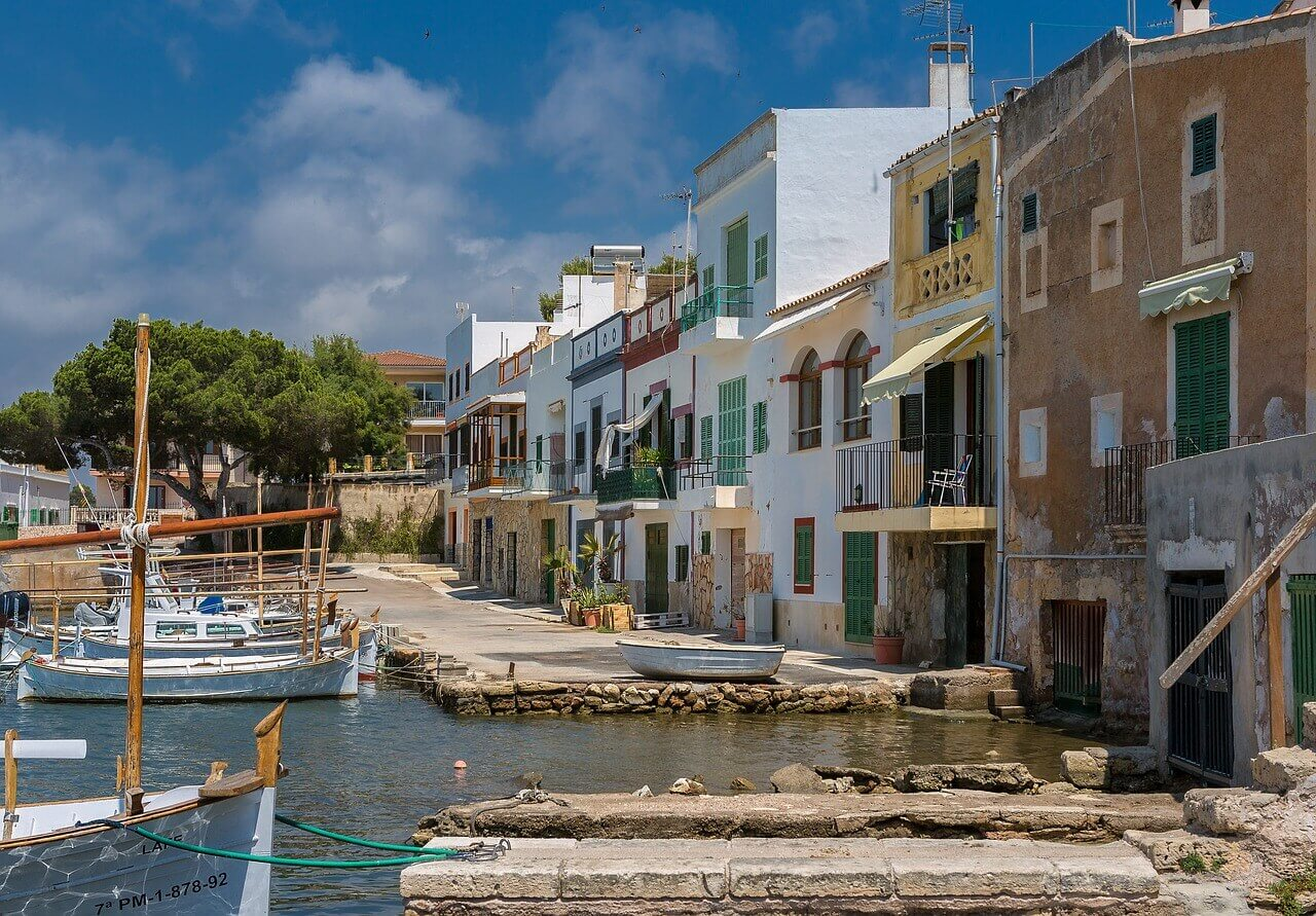 Boot huren Mallorca, bootverhuur Mallorca, Balearen, zeilvakantie, vaarvakantie, Spanje, Spaanse eilanden, Cala Radjada, Portocolom