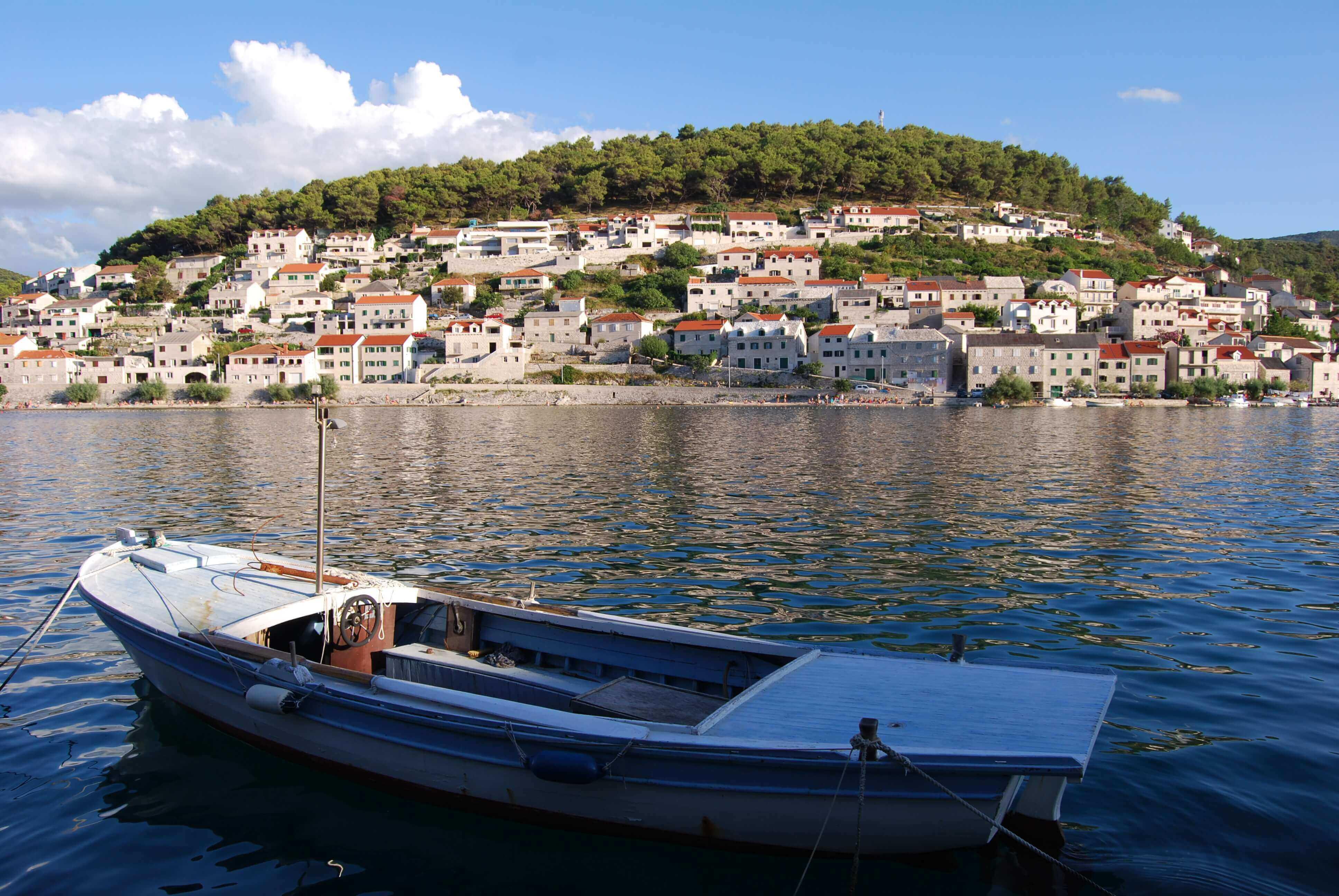 Eiland Brac Kroatie, Boot huren kroatie, catamaran huren kroatie, bootverhuur kroatie, zeilboot huren kroatie, vaarvakantie kroatie, zeilvakantie kroatie, beste aanlegplaatsen kroatie,