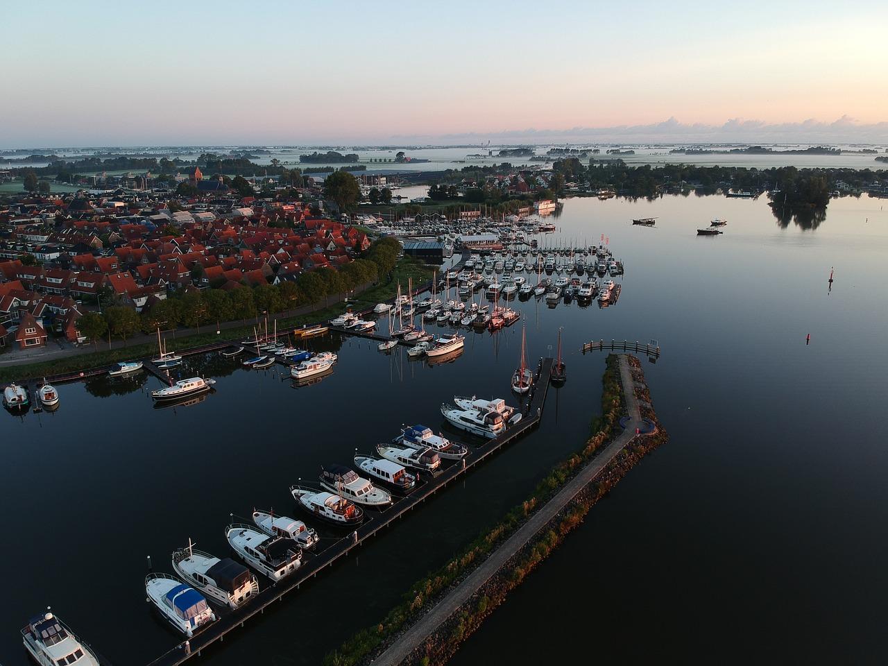 boot huren friesland vaarvakantie friesland motorboot huren friesland vakantie nederland zomer nederland watersport friesland