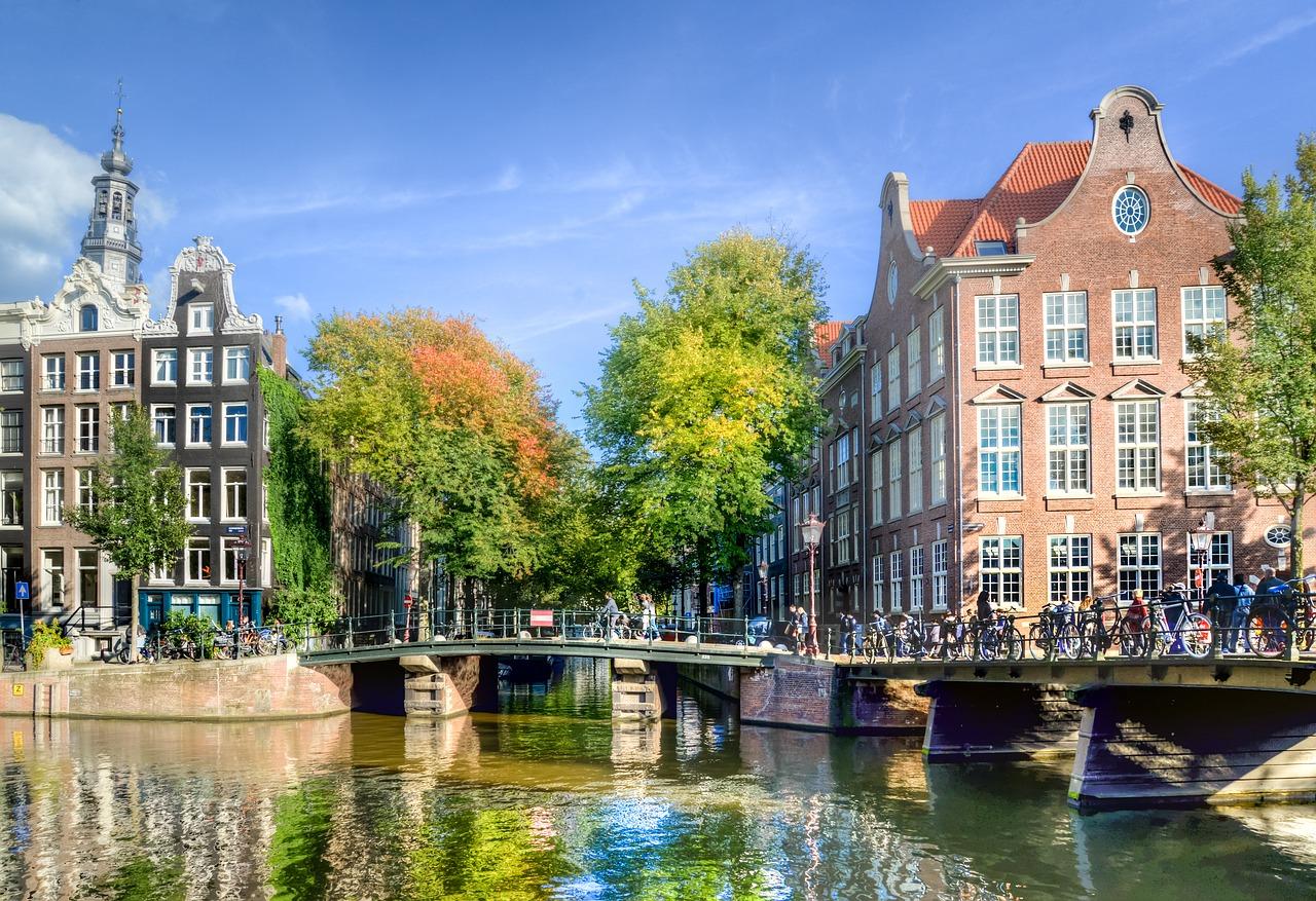 varen in amsterdam boot huren amsterdam sloep huren amsterdam vaarroutes amsterdam amsterdamse grachten