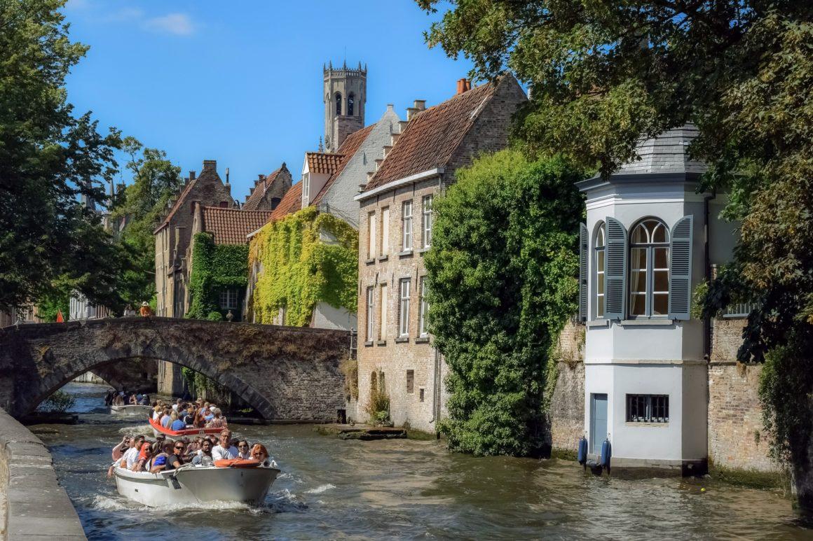 Bootje varen in Brugge