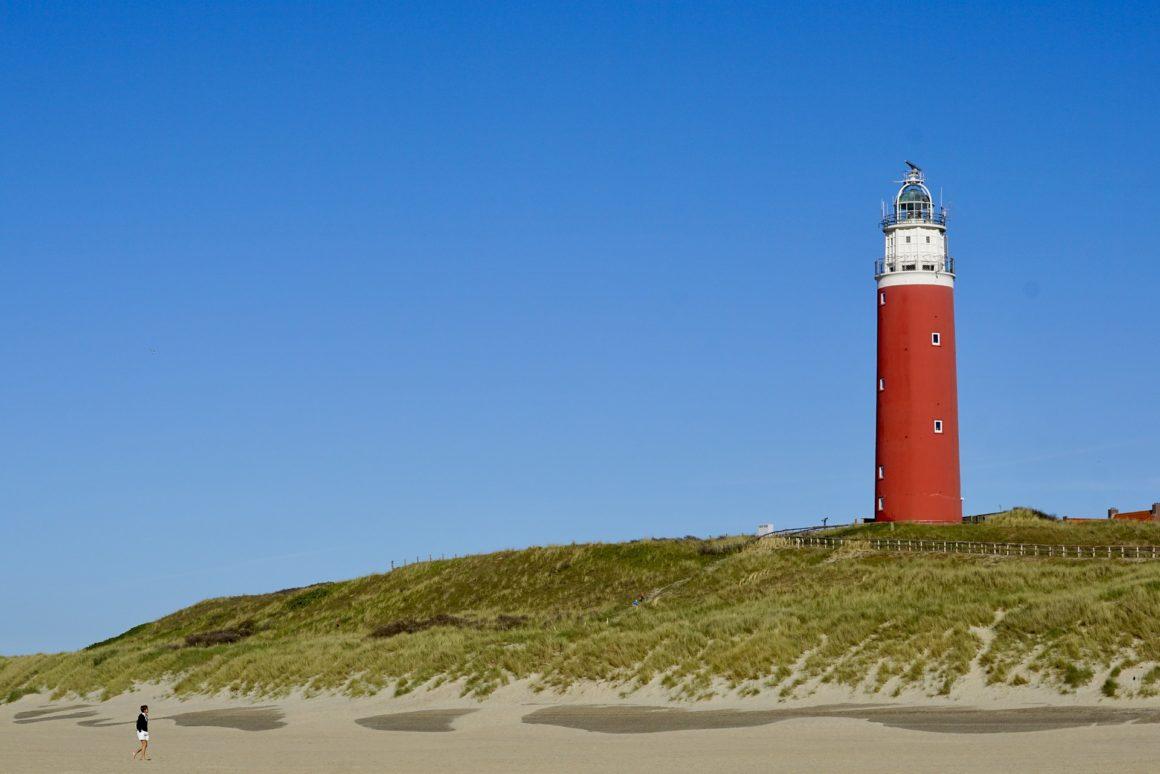 vuurtoren op Nederlands strand
