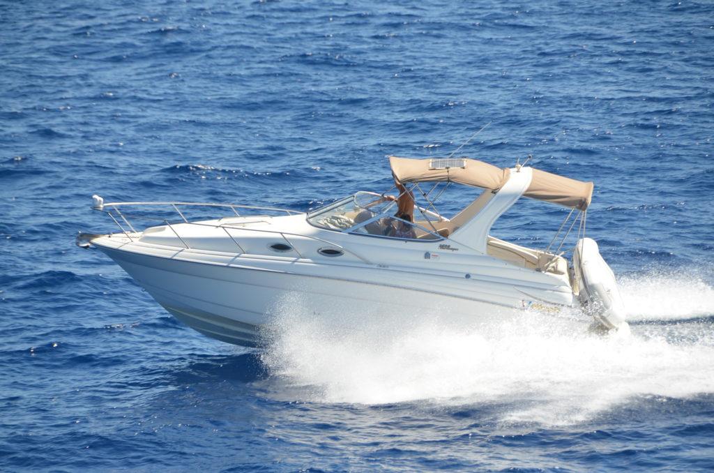 wynajem łodzi motorowych