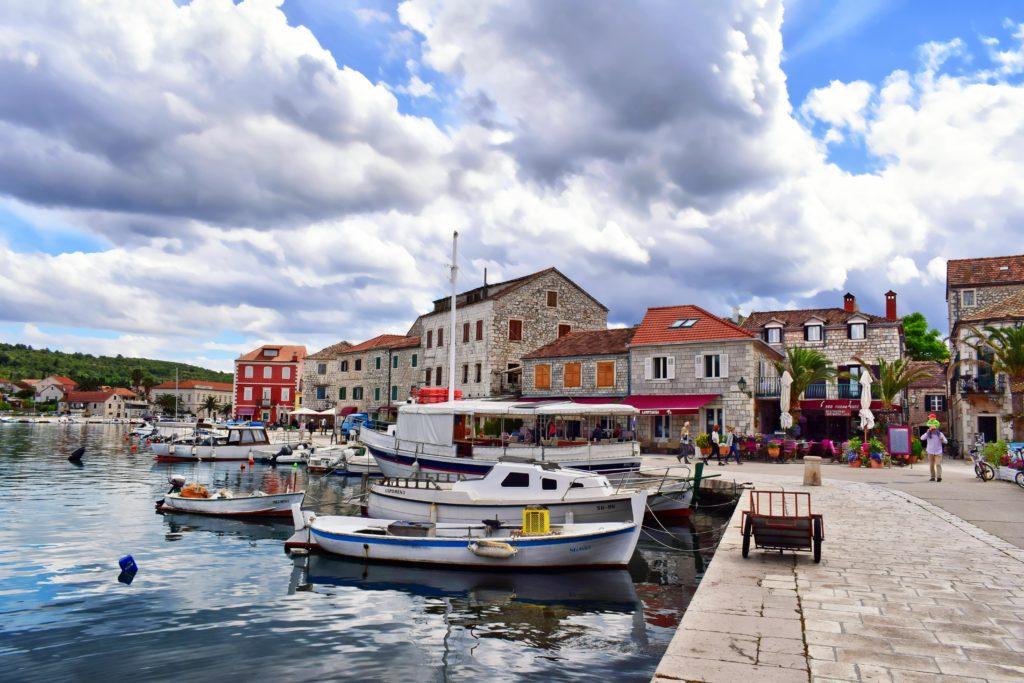 Port na wyspie Hvar, Stari Grad
