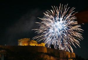 Ateny Grecja Akropol sztuczne ognie
