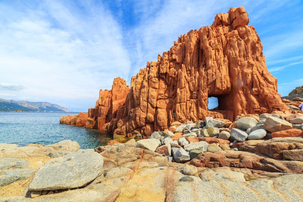 Wyspa Sardynia Czerwone skały