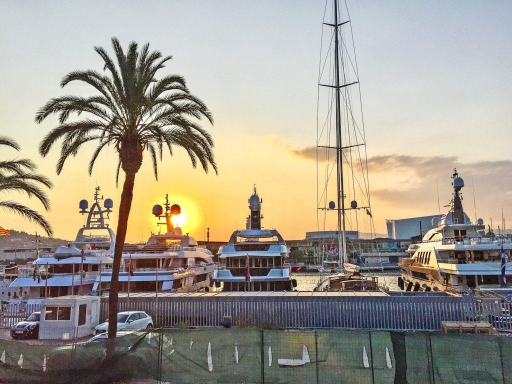 Barcelona zwiedzanie port czarter jachtu