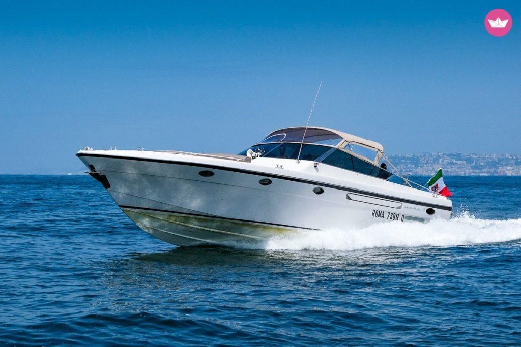 Jacht motorowy Neapol