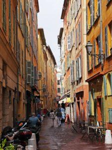 Nicea atrakcje uliczka na Starym Mieście