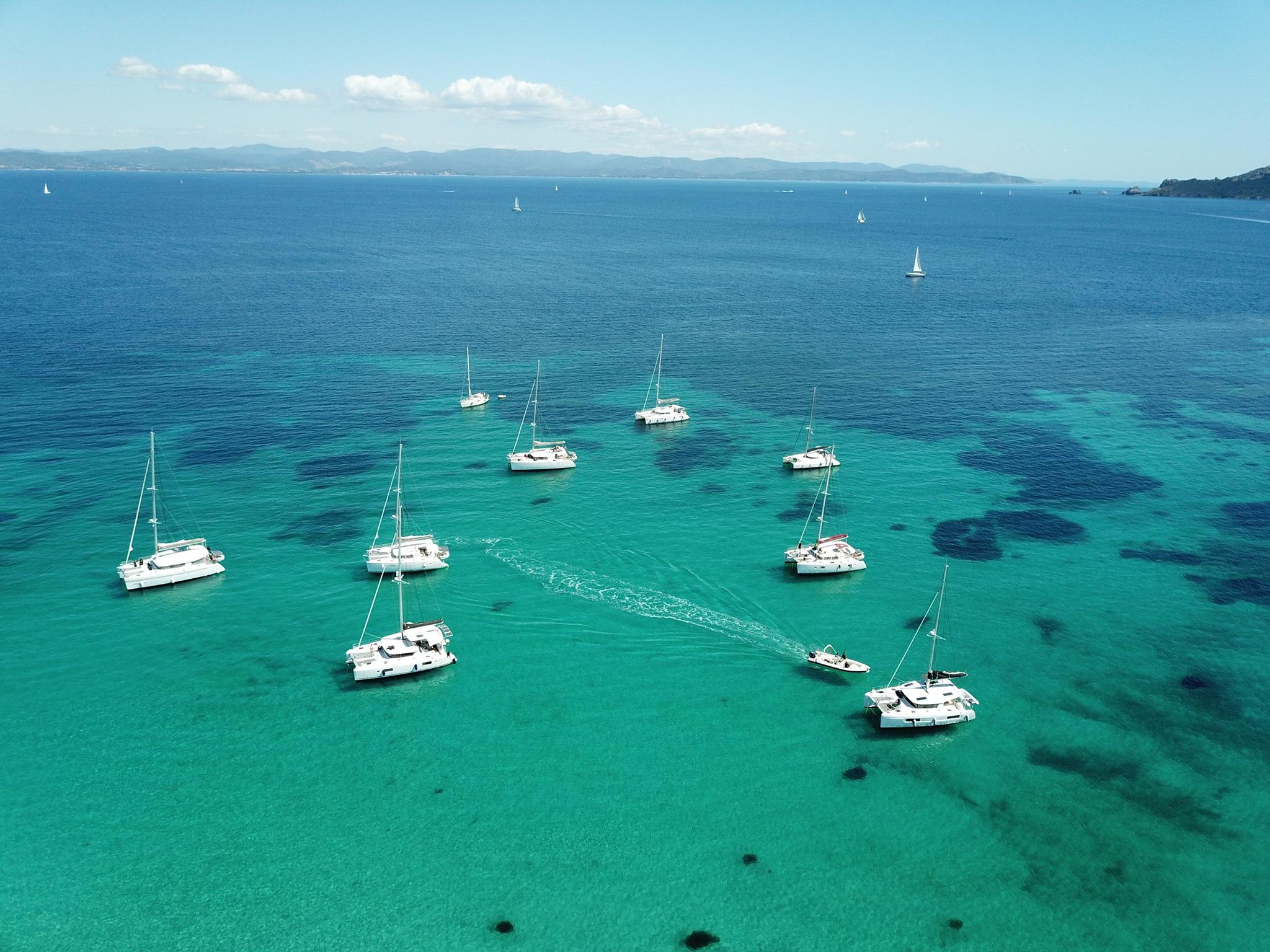 Lazurowe Wybrzeże czarter katamaranu