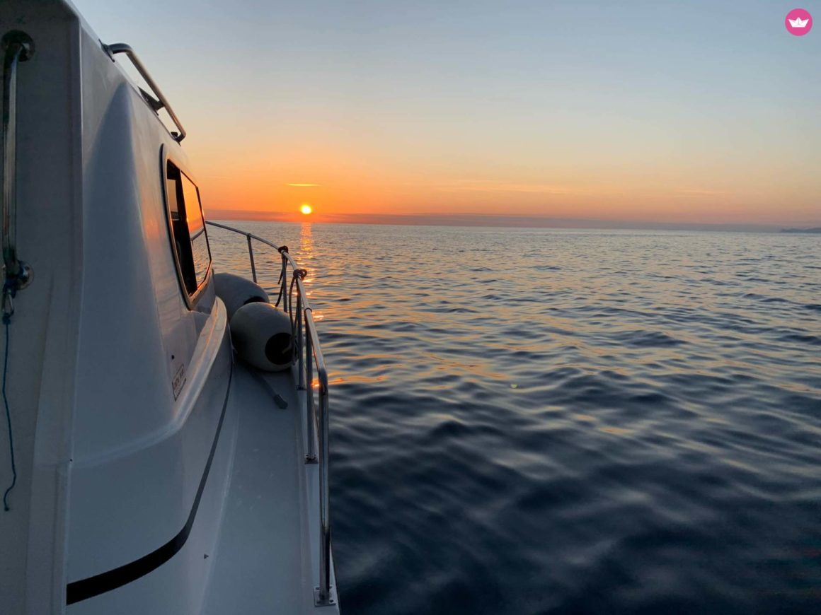 grecja jacht zachód słońca