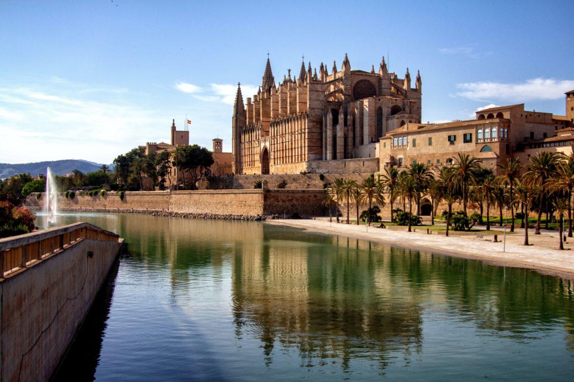 co warto zobaczyć na Majorce - palma de mallorca katedra