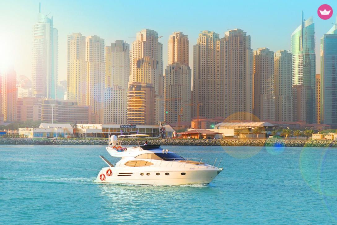 Wakacje w Dubaju i czarter jachtu motorowego