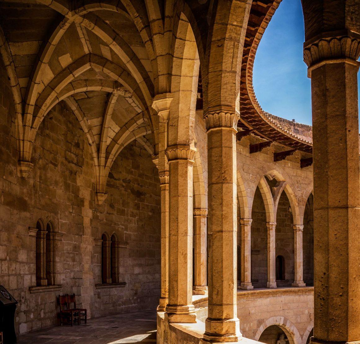 Zamek Bellver przewodnik po Majorce