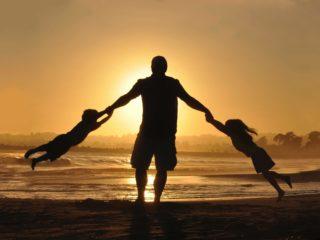 Nada melhor do que uma praia carioco para um passeio com crianças!