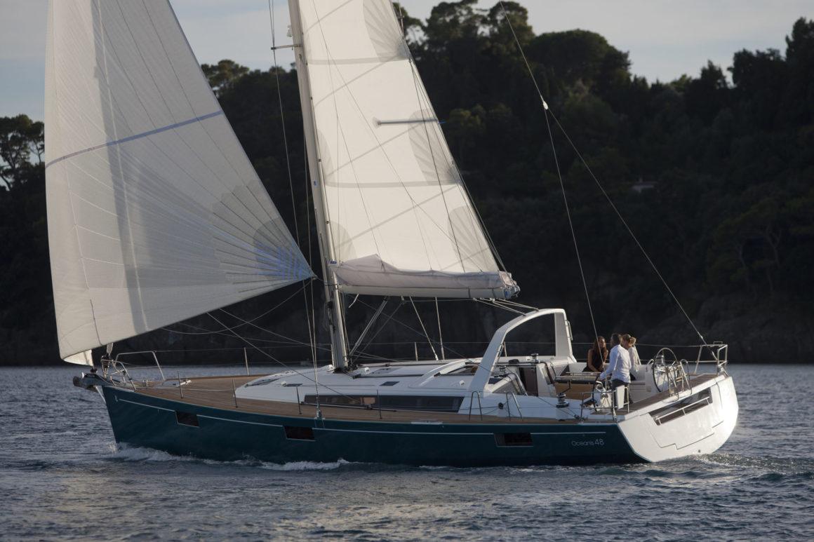 Que tal alugar um veleiro para o seu passeio de barco no Douro