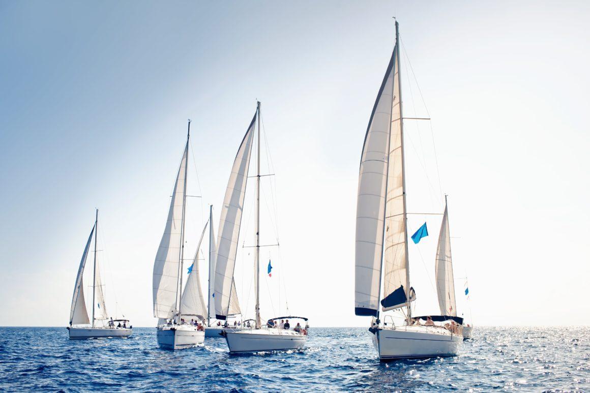 Como planejar uma viagem perfeita: escolha o tipo de barco ideal para os seus planos de navegação!