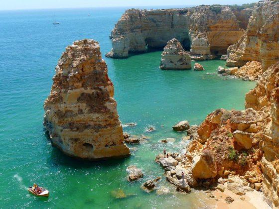 Com tantas opções de praias e passeios, escolher o que fazer no Algarve é sempre um desafio!