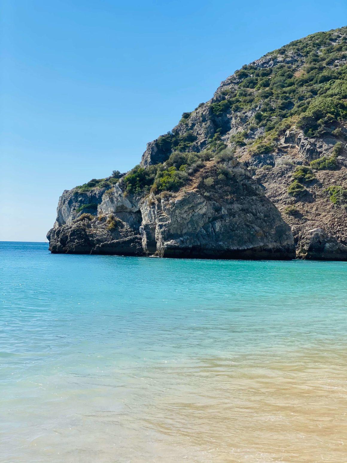 Descobrir as praias de Setúbal e Sesimbra de barco é a melhor forma!