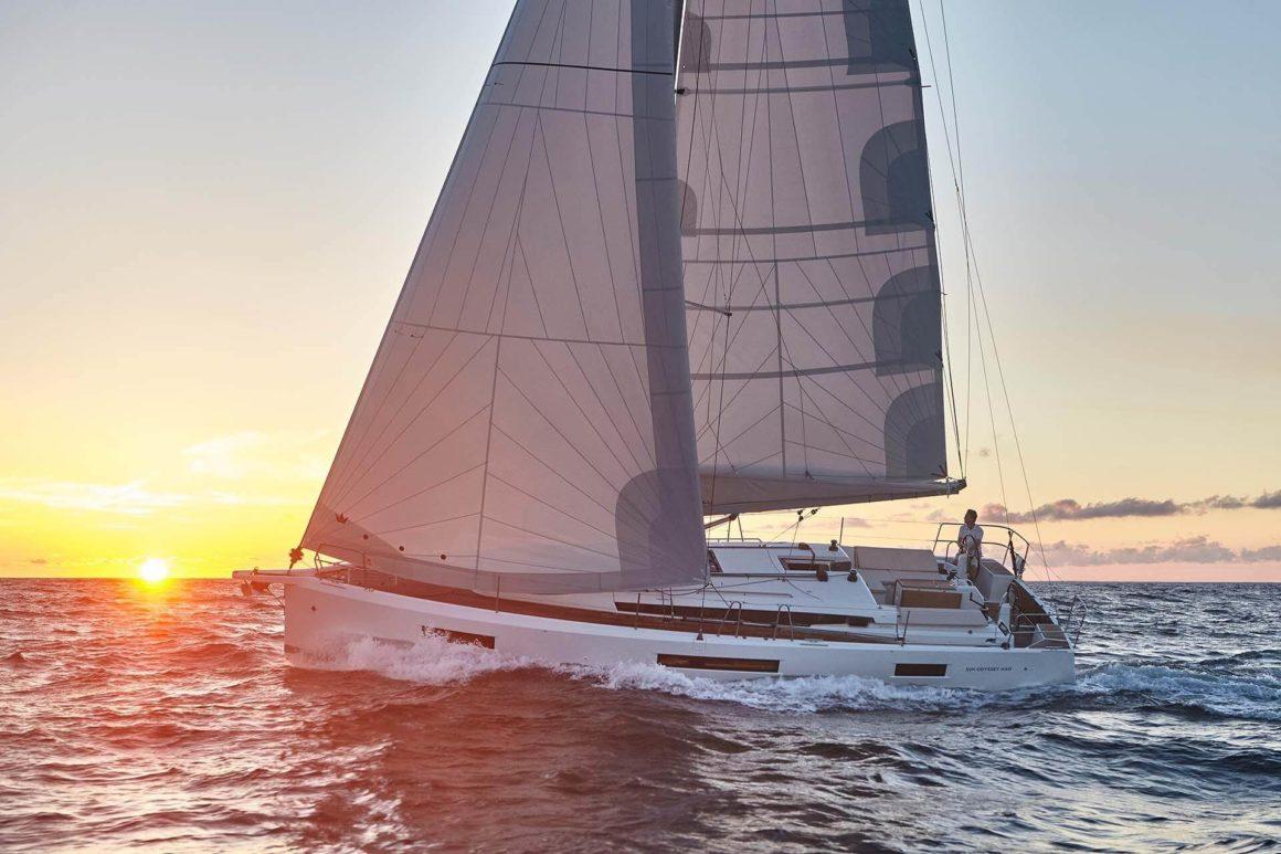Alugar um veleiro é uma forma incrível de aproveitar os ventos algarvios