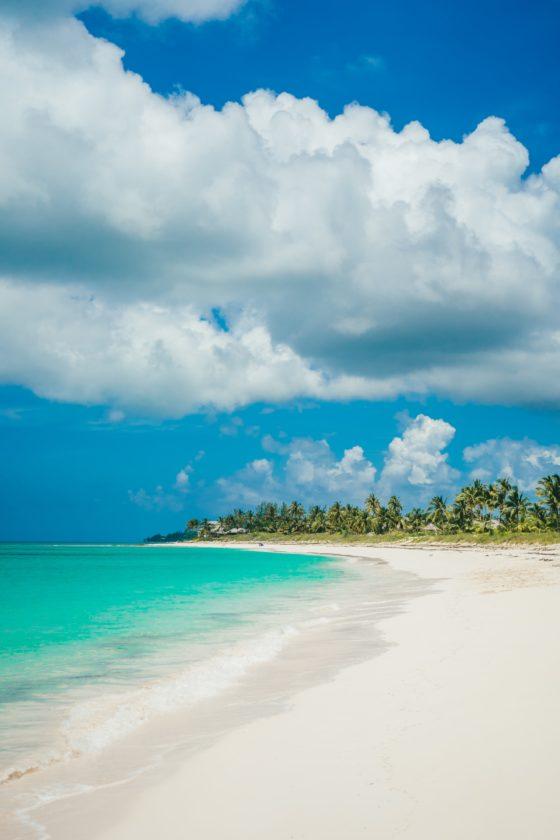 Passe férias inesquecíveis, a descobrir as ilhas das Bahamas diretamente do convés de seu próprio barco