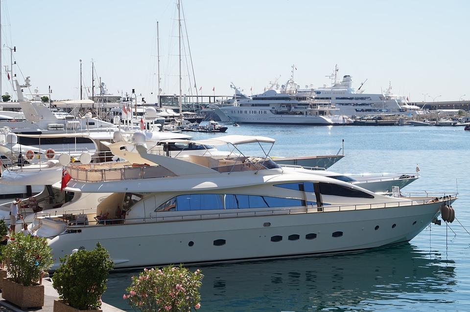 аренда яхты со шкипером в монако
