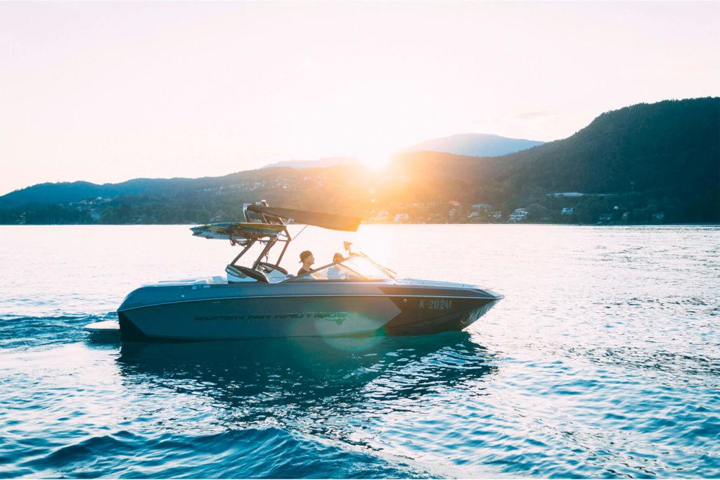 аренда моторной яхты