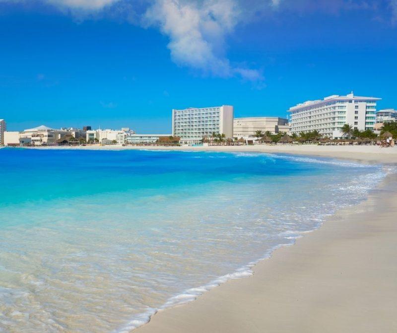 пляж Форум в Канкуне