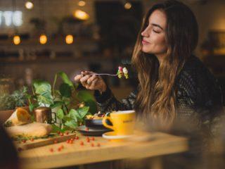 девушка, еда