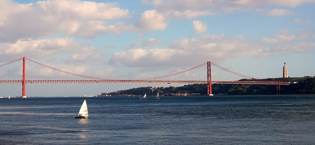 boat rental Lisbon
