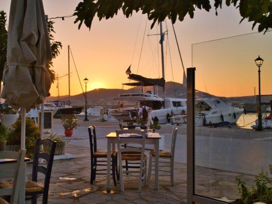 docking'n'dining at a marina